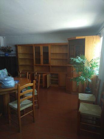 Móvel de sala com bar em madeira