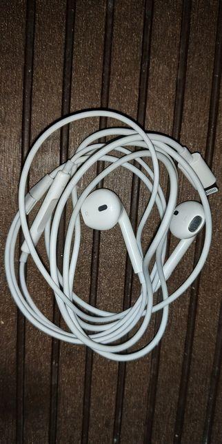 AirPods Apple A1748 Lightning