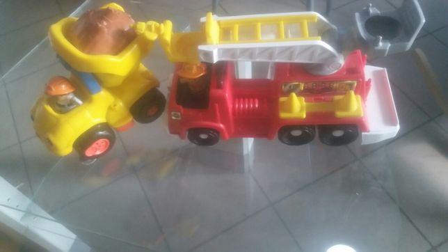 Auto strażackie i wywrotka