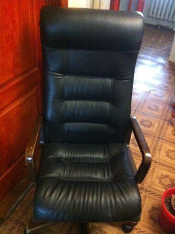 Продам кресло для руководителя PMK Royal. Обмен.