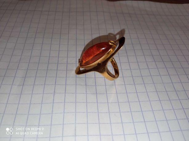 Кольцо золото с янтарем 583 СССР