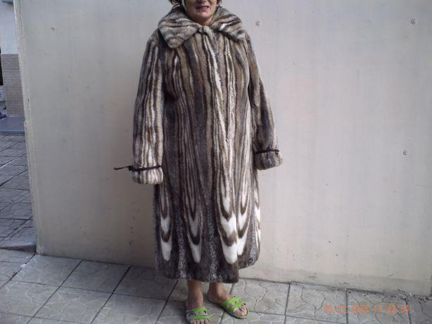 Шуба женская искусственный мех.