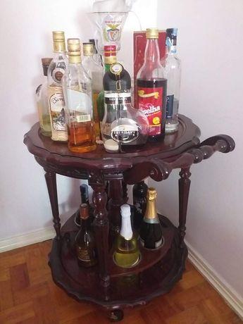 Móvel garrafeira de sala