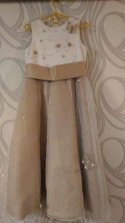 Шикарное платья золотисто-кофейное 3d бабочками на девочку 6-9 ле леет
