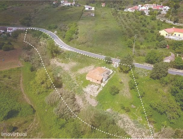 Oportunidade | Moradia (para Recuperar) em Terreno com 5560m2