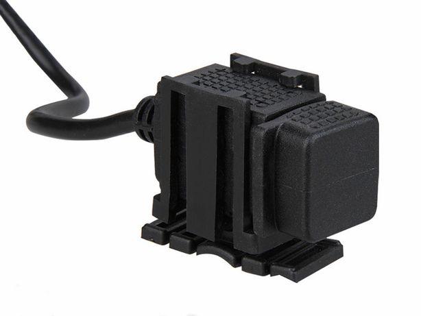 Adaptador carregador telemóveis, GPS, MP4 para motos, scooter c/ 2 USB