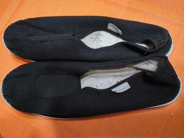 Мокасини, тапочки, кеды, сменная обувь р.37, длина по стельке 22,5 см