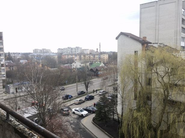 Продається трьохкімнатна квартира по вул. Виговського