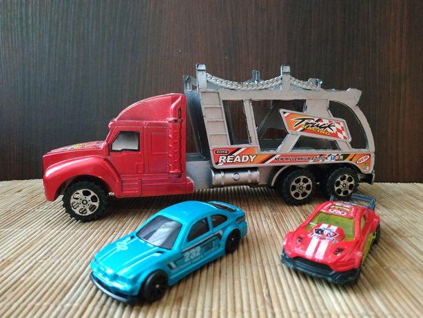 Машинка- грузовик для перевозки машин.Две маленькие машинки в подарок.