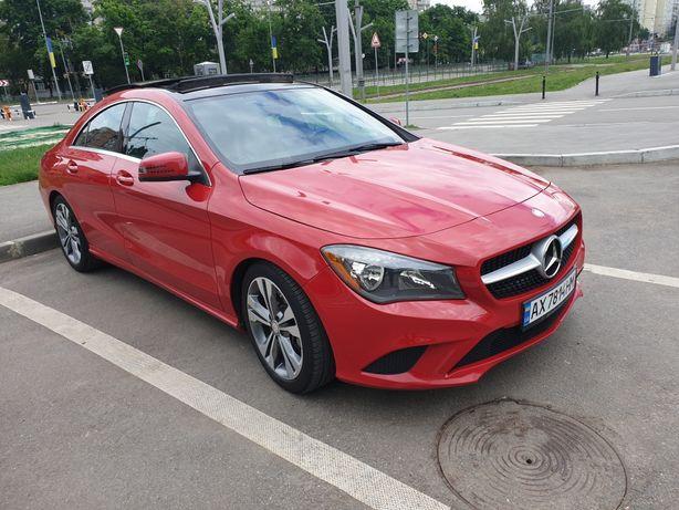 Mercedes-Benz CLA 250 красный. Панорамный люк. Как новый
