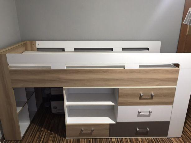 Łóżko i biurko
