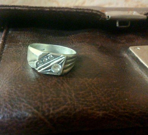 Серебряная печатка с камнями 2 см 5G