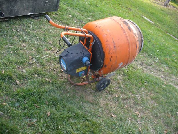 betoniarka belle na 230V,taczki