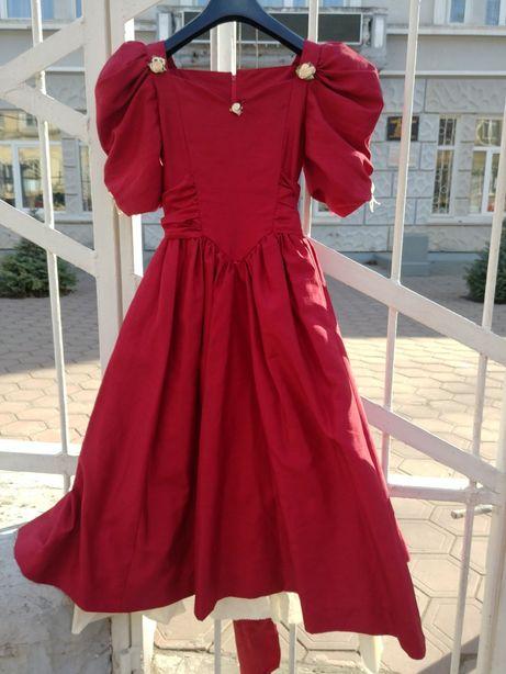 Красивое нарядное платье девичье выпускное 8-12 лет