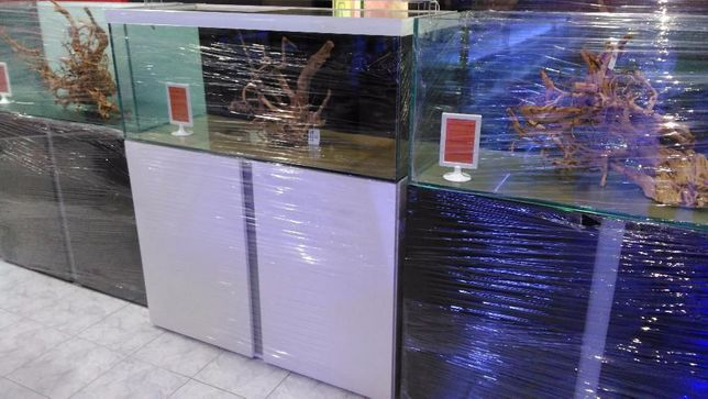 Aquario com móvel novo 120x50x50 300L