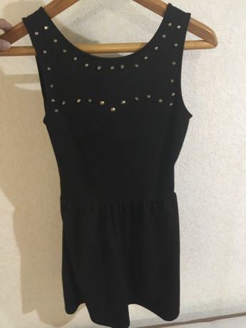 Продам коктейльное платье Pull&Bear