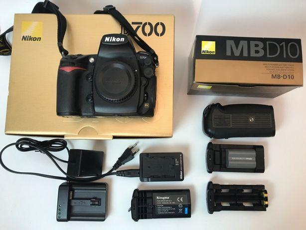 Nikon D700 MB D10