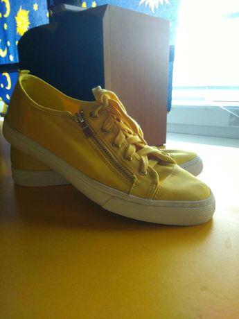 Спортивная обувь stradivarius