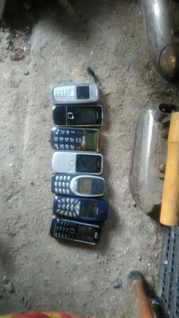 Stare telefony  różne.