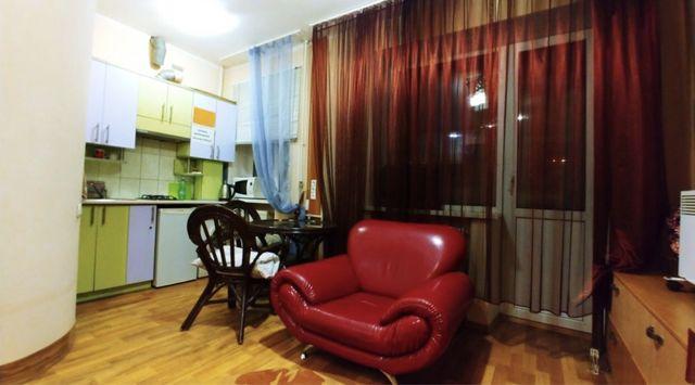 Продам 1-комнатную квартиру с ремонтом верх пр. Кирова (А. Поля)