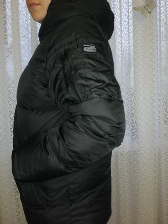 Zara продам тёплую женскую куртку