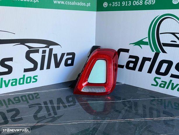 Farolim traseiro esquerdo Fiat 500 Cabrio