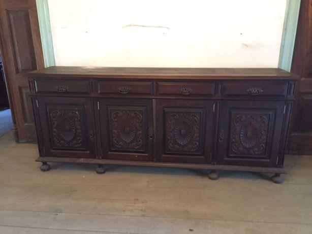 Aparador antigo em madeira
