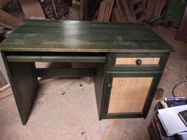 Używane zielone biurko
