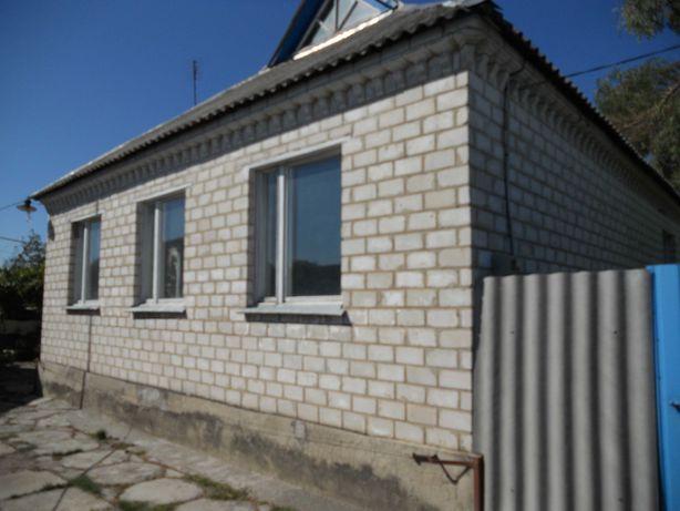 Продам дом с большим наделом земли
