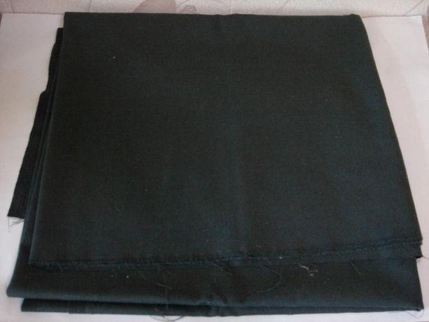 Продам отрез материала серо-зелёного цвета. Полушерсть. 140х156 см.