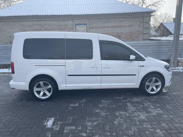 Продам volkswagen caddy пассажир 2.0 7 мест