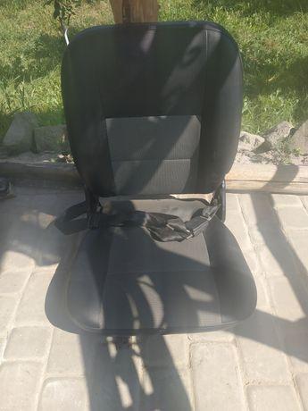 Салон(задние и передние сидения opel combo 2005г.)