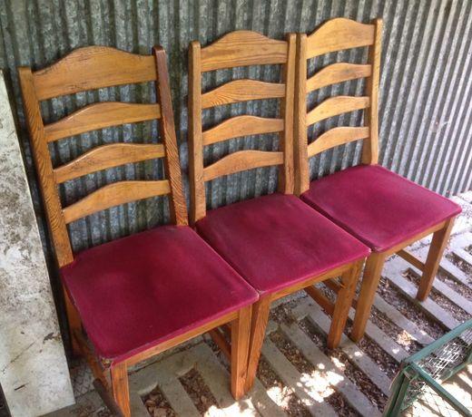 Krzesła sosnowe Solberg Swarzędz do renowacji używane