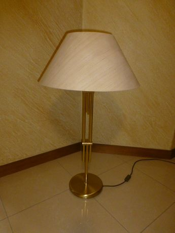 Lampa mosiężna stojąca duża do gabinetu