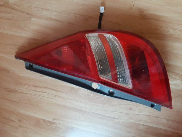 hyundai i30 lift lampa prawa tylna hatchback hb 2007-14 europa