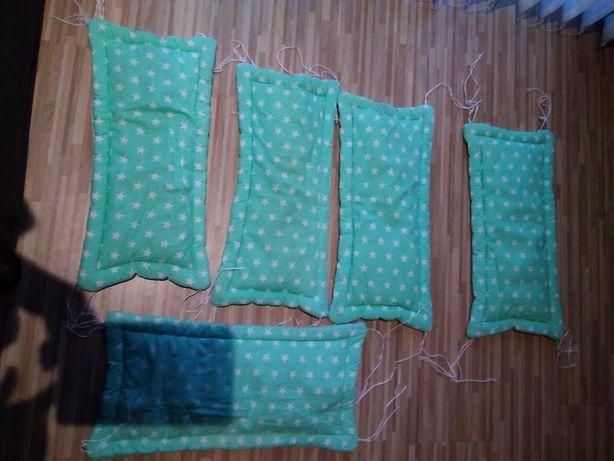przewijak i ochraniacze do łóżeczka za słodkości