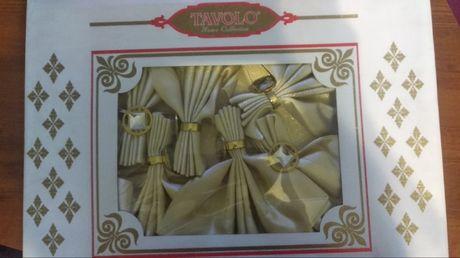 Набор скатерть с салфетками и кольцами 8 персон