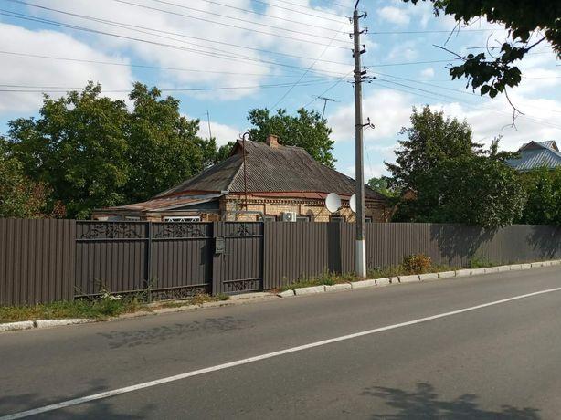 Продам будинок в центрі