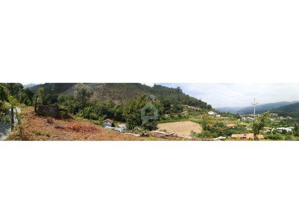 Terreno com ruína em Parada de Bouro, Vieira do Minho