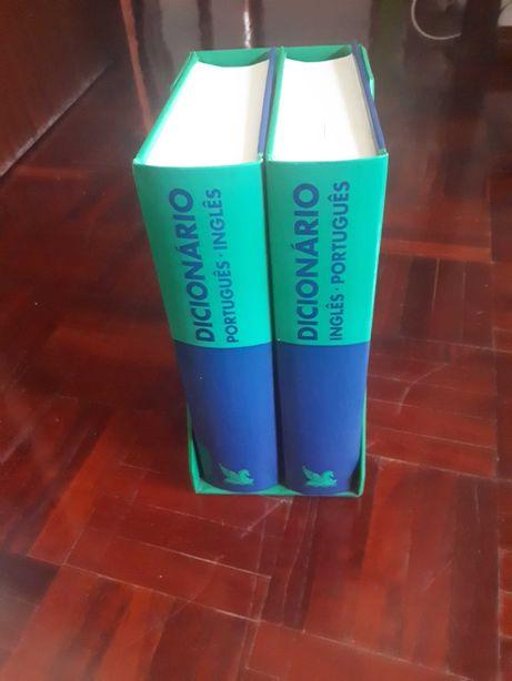 Dicionário português-inglês e inglês-português
