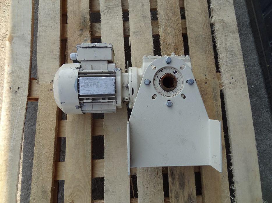 Motoreduktor kątowy Firmy SEW - 0,37kw 42obr/min Dakowy Suche - image 1