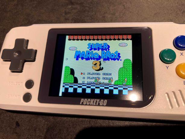 Retro konsola Bittboy PocketGo + pokrowiec - gry z Gameboy, NES, SNES