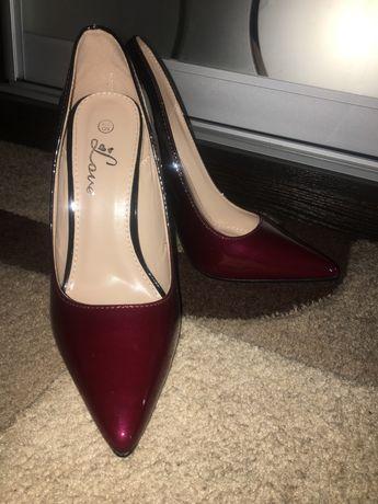 Продам туфлі в ідеальному стані