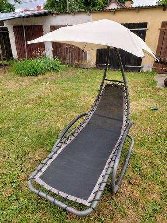 Bujak, leżak ogrodowy z parasolem