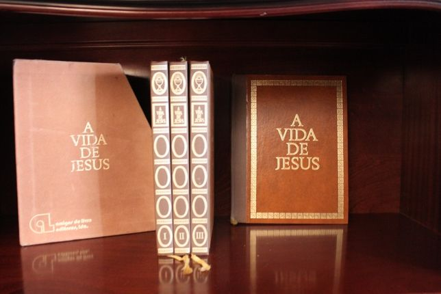 A Vida de Jesus// Raul Correia 4 Volumes