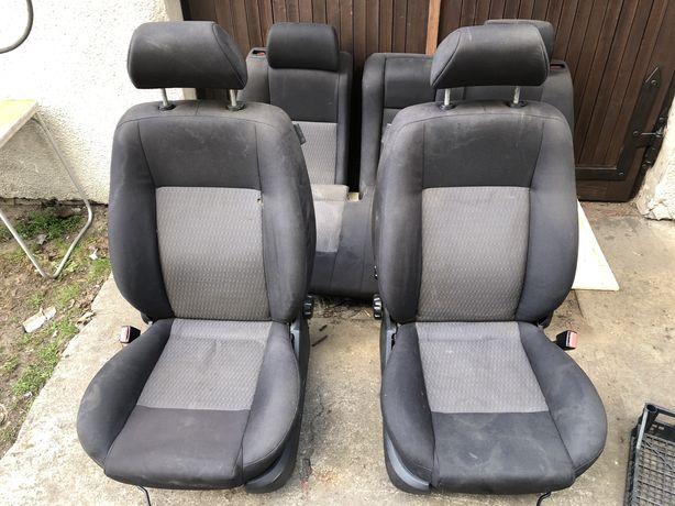 Fotele przod tyl Ford Mondeo MK3 kombi