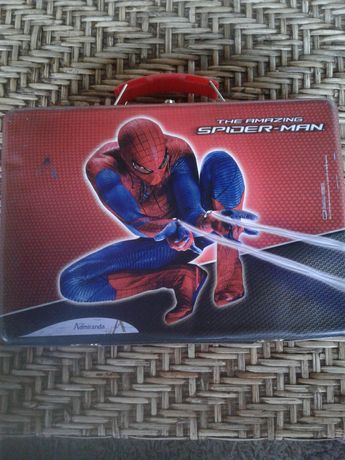 Caixa de lata Homem Aranha com pega tipo mala
