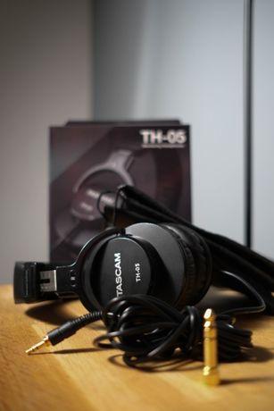 Продам наушники Tascam TH-05 (Monitoring Headphones)