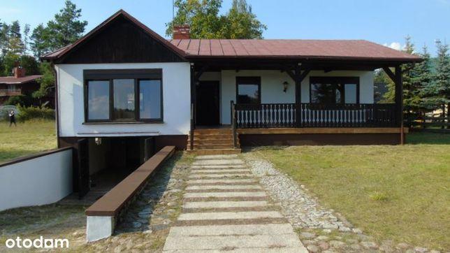 Dom rekreacyjny wśród zieleni lasu i jeziora