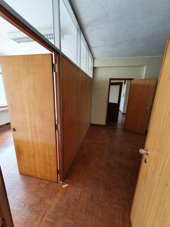 Espaço para escritório ou armazém